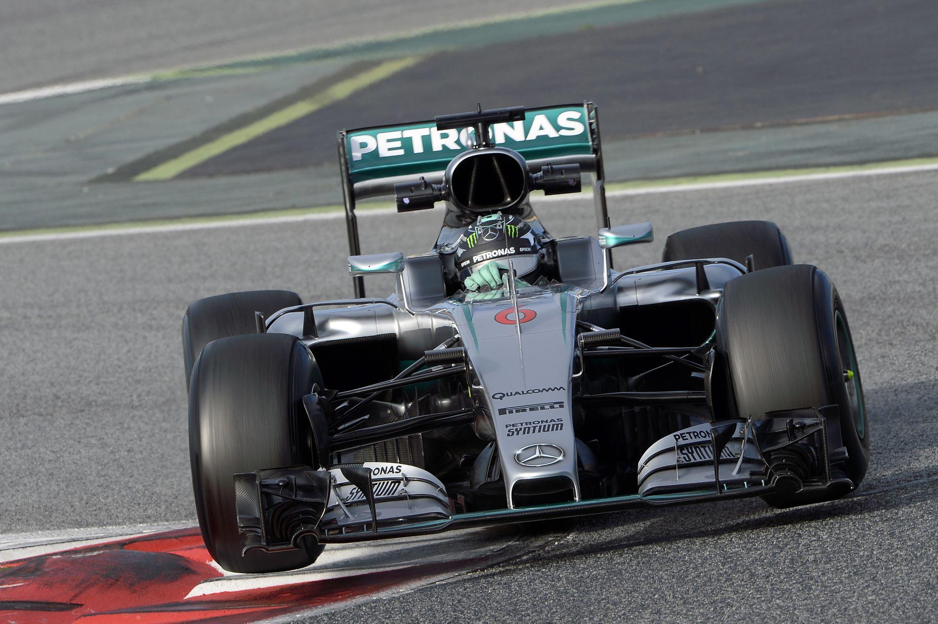 Videón, ahogy Rosberg bűvészmutatvánnyal kápráztatja el az ausztrál közönséget