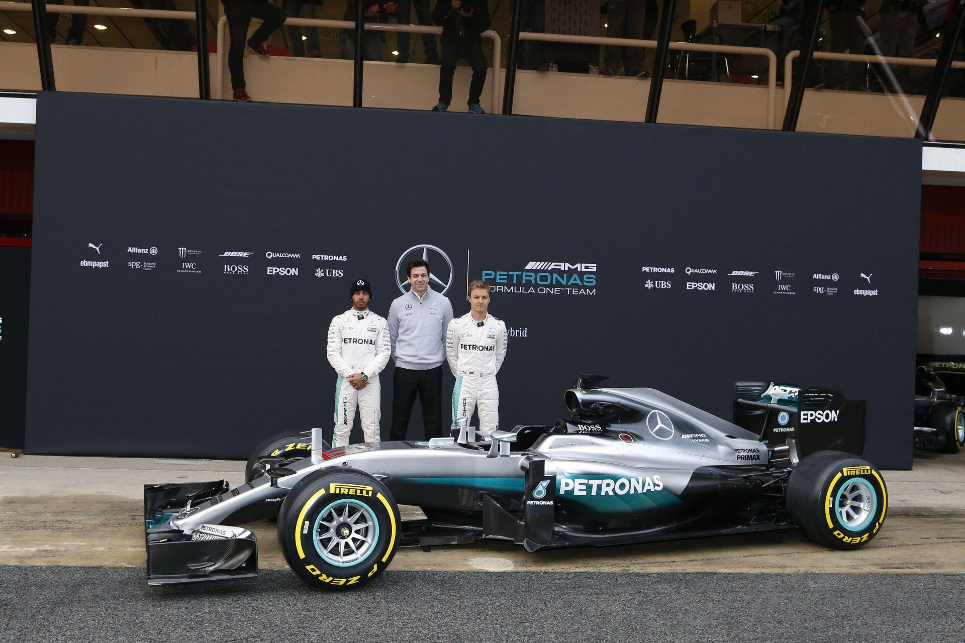A Mercedes tudja, hogy ismét mindenki a nulláról indul, ja és már alig várják Hamilton és Rosberg küzdelmét!