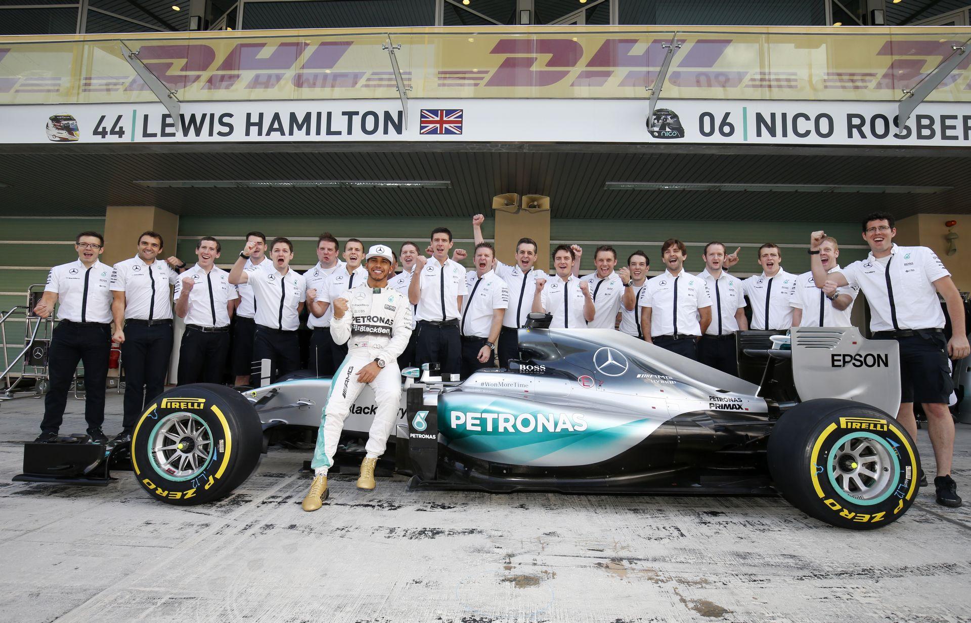 A Mercedesnél szükség lesz a csapat átalakítására – a 21 futam miatt