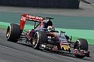 Ilyen nehéz vezetni a megújult brazil F1-es versenypályán: Verstappen belső kamera