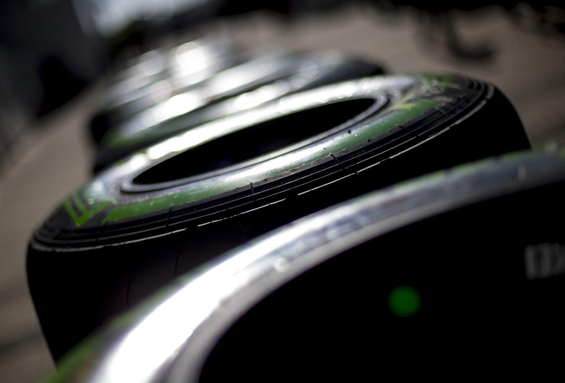 A Pirelli még több bokszkiállást tervez 2016-ra!