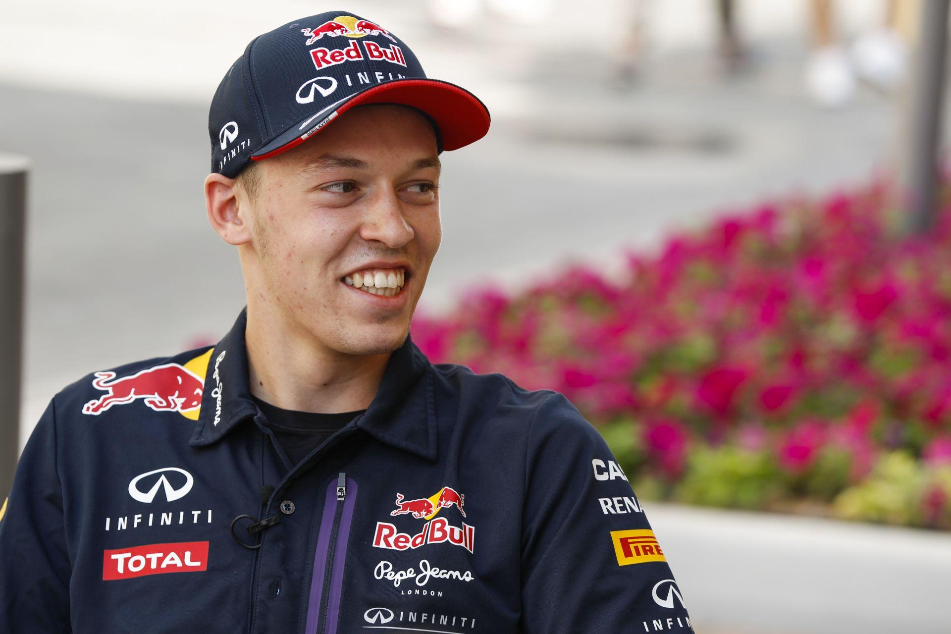 Kvyat is kíváncsian várja, hogy jövőre milyen motorral versenyezhet - már ha Ő marad Ricciardo csapattársa!