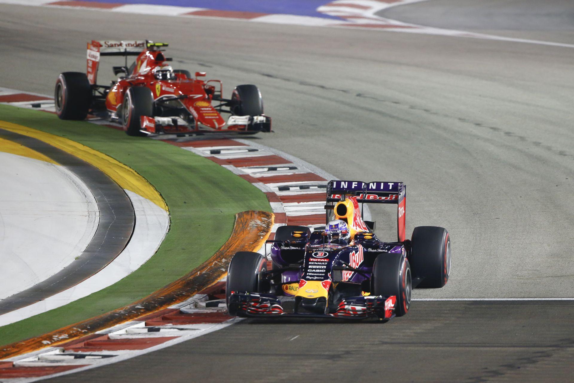 A Ferrari SMS-ben közölte a Red Bullal, hogy csak tavalyi motorokat adnának nekik