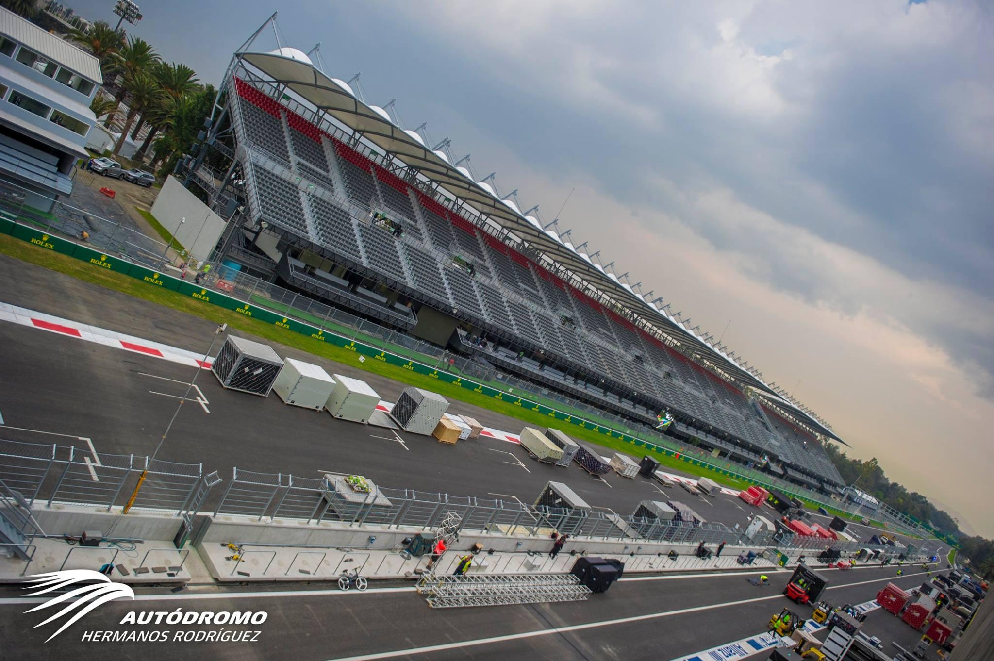 Egy giga-nagy képgaléria érkezett Mexikóból: így készülnek az F1-es csapatok
