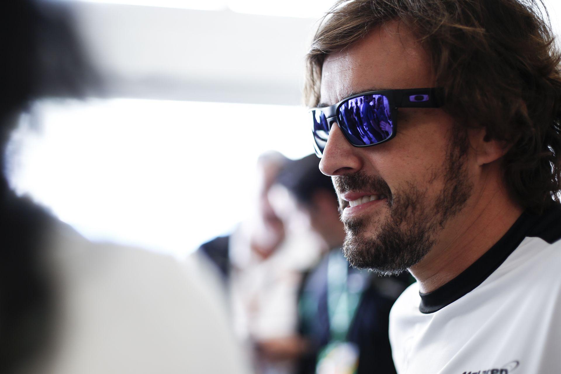 Alonso: A jövőben egyetlen csapat tudja csak legyőzni a Mercedest – a McLaren!