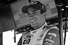 Videón, ahogy az F1-es versenyzők 1 perces néma gyászszünettel megemlékeznek az elhunyt Wilsonról