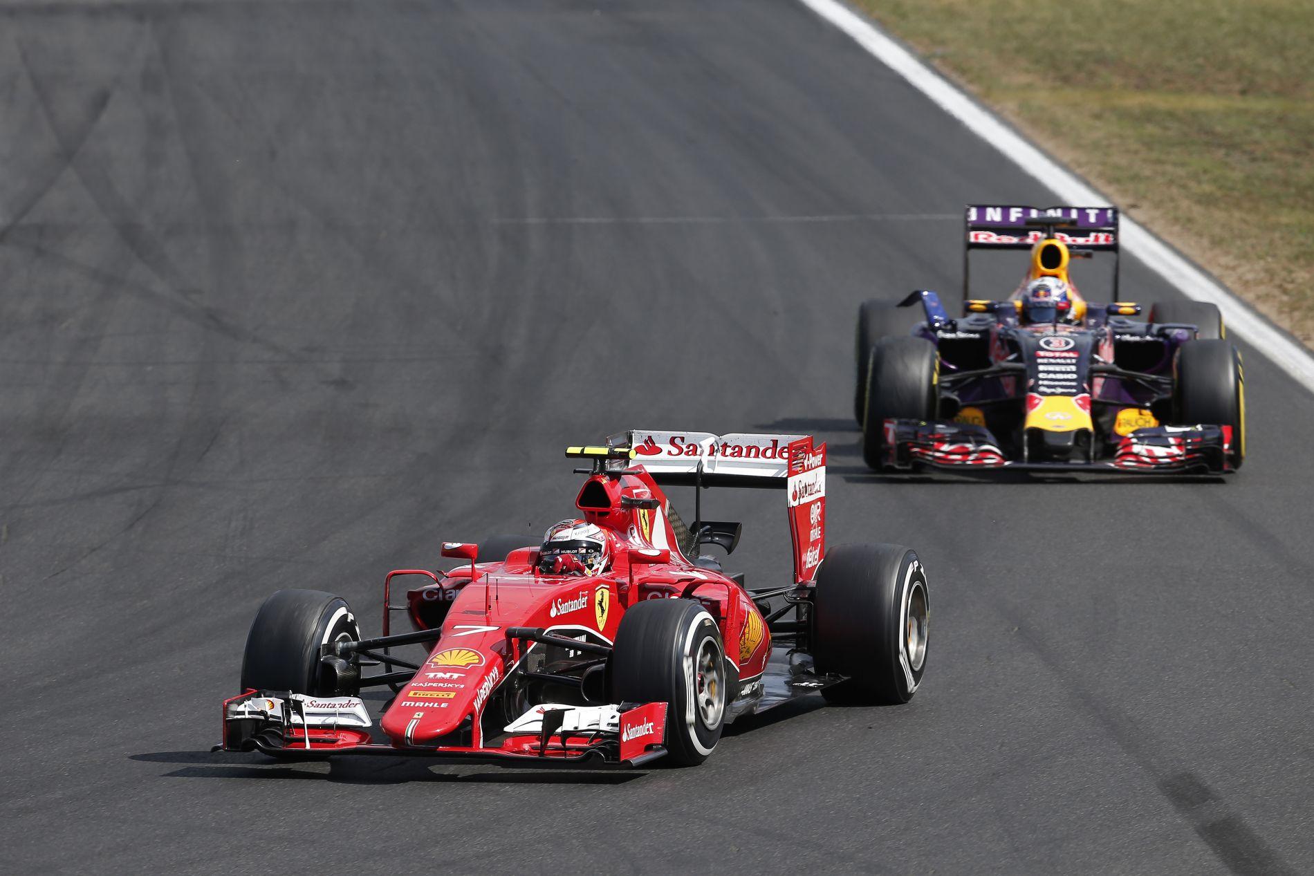 """Ricciardo Szingapúrban levadászná a Ferrari """"nem túl karcsú hátsóját"""""""
