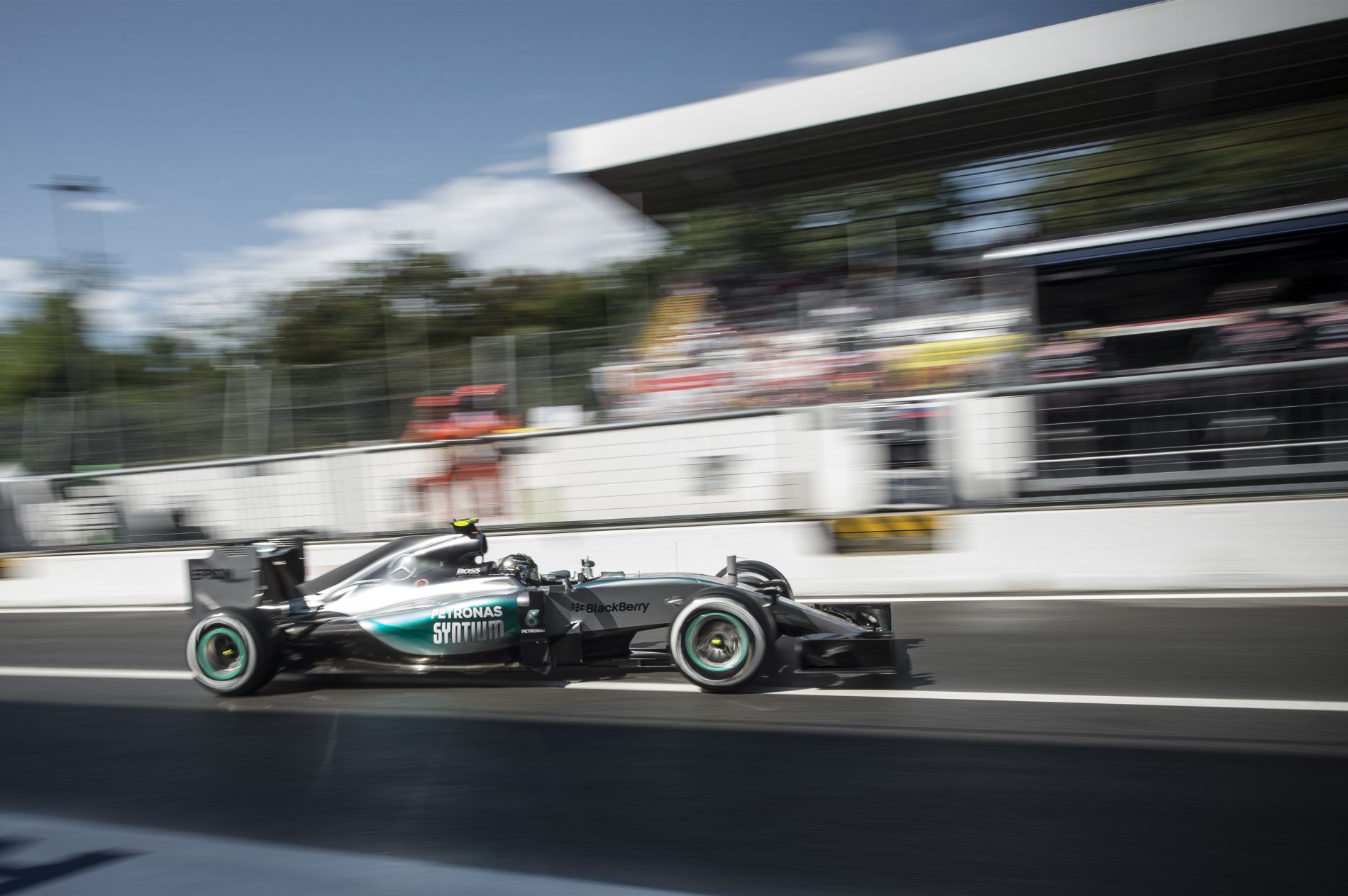 Monza megmutatta, a Mercedes nem legyőzhetetlen – Miért is?!