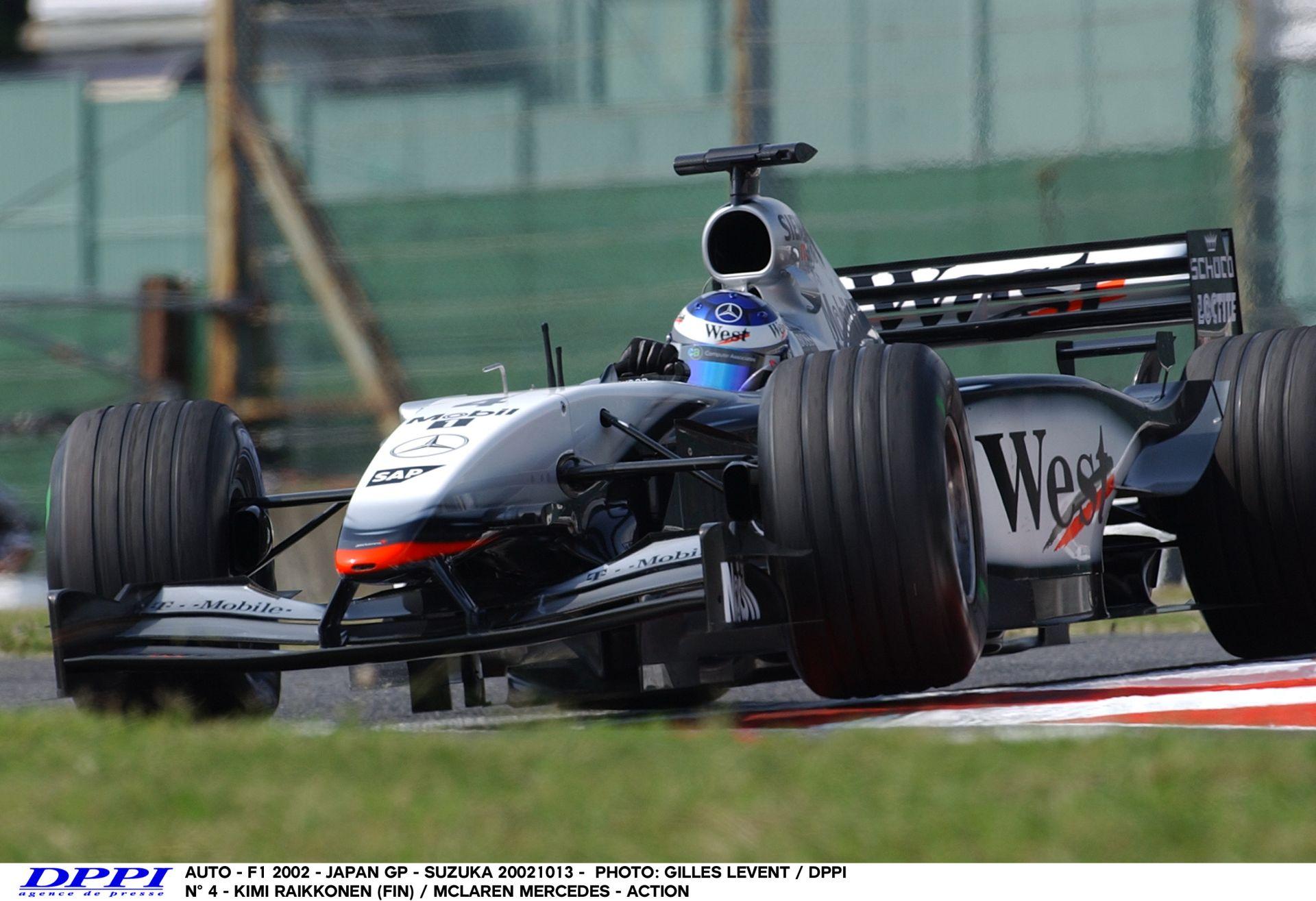 Raikkönen keményen nyomja neki a McLarennel – 2002! Japán Nagydíj