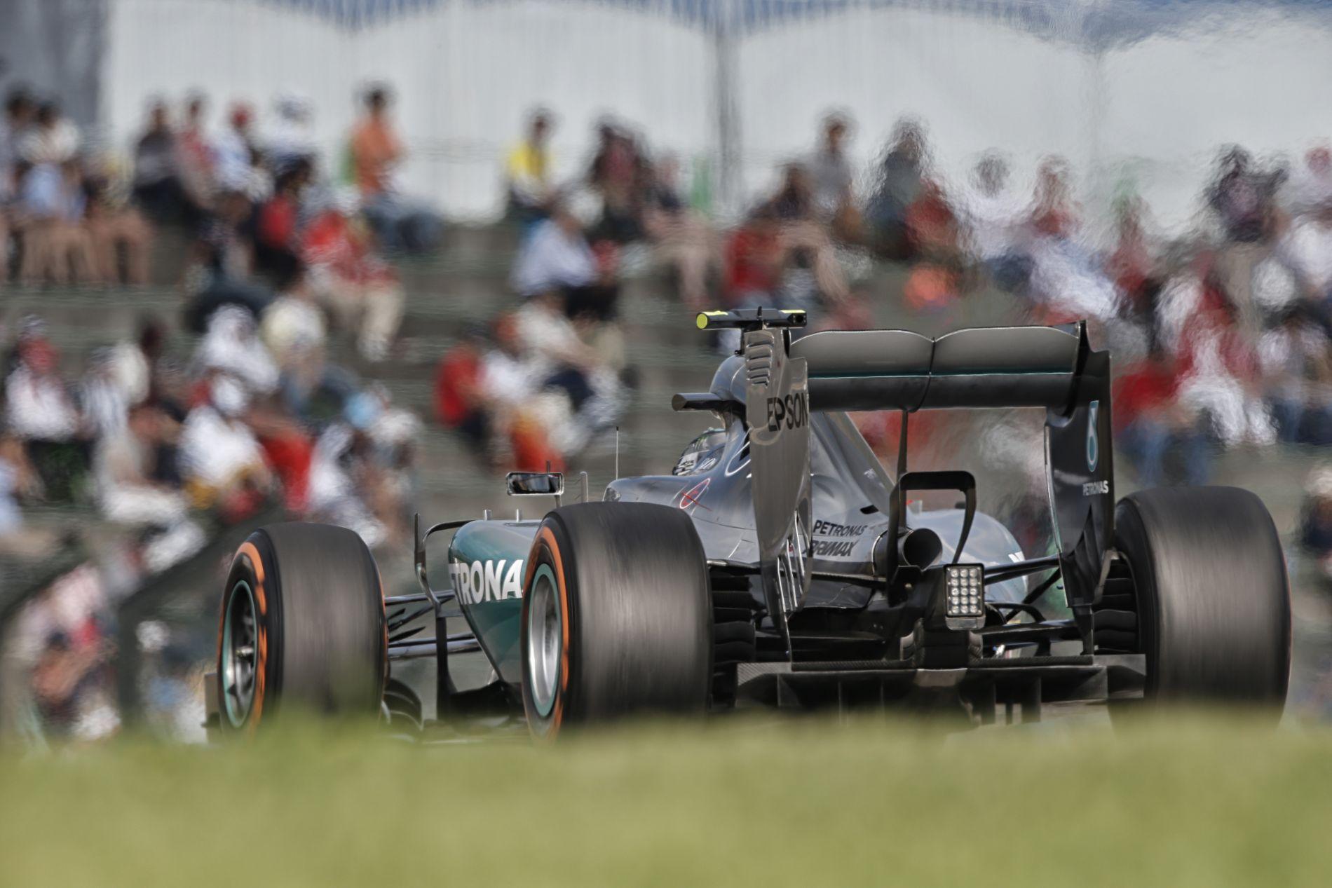 """4 méterrel """"volt gyengébb"""" Rosberg motorja – Puhány lenne a német?"""