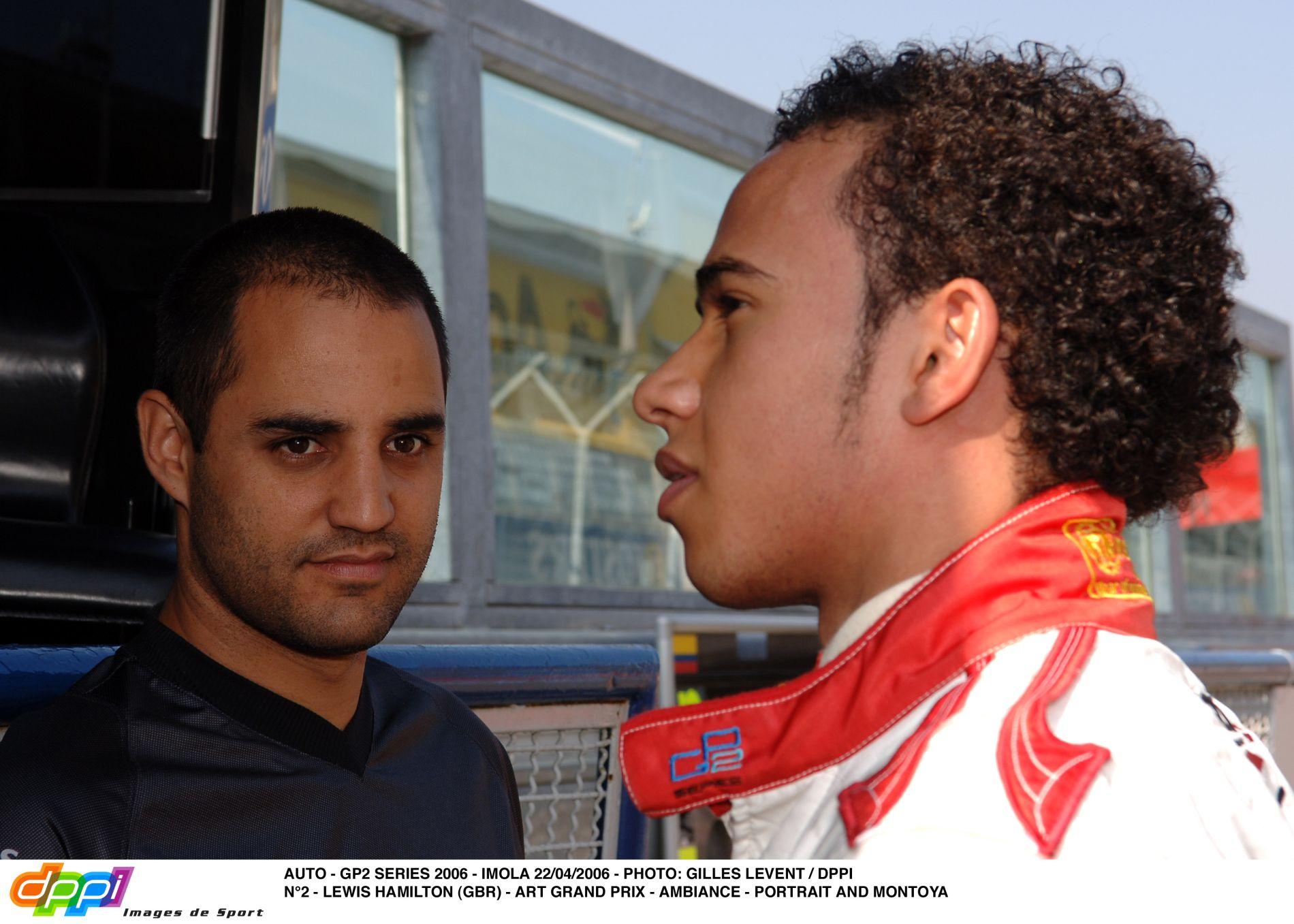 Hamilton a mai napig emlékszik rá, ahogy figyelte Raikkonent és Montoyát a garázsban