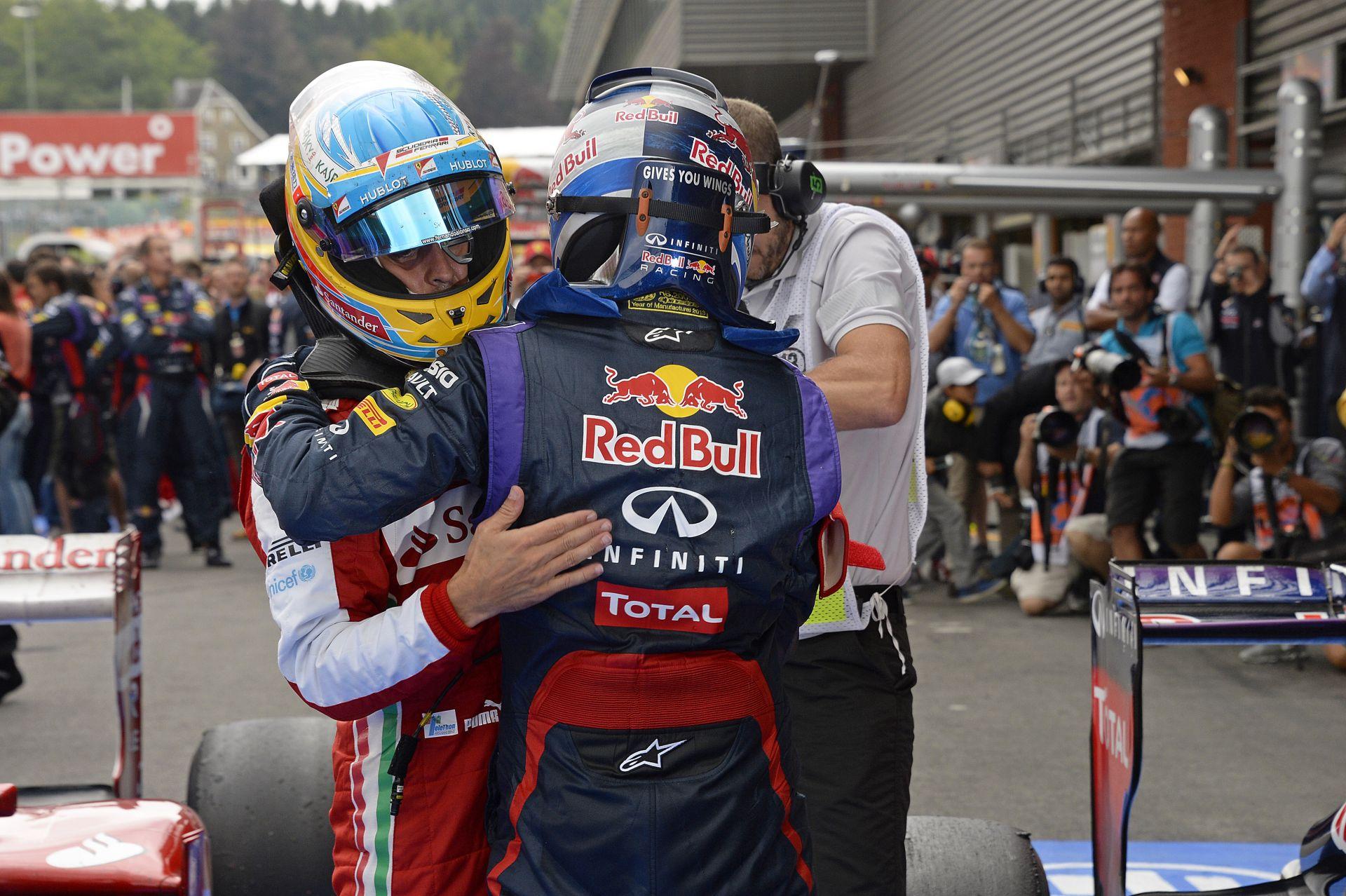 Vettel pénteken írt alá a Ferrarihoz, évi 25 millió euróért! Alonso csak egy évre hajlandó aláírni a McLarenhez