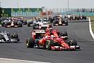 Egy egészen hihetetlen start a Magyar Nagydíjról: Vettel, Hamilton és Ricciardo onboard nézetből a rajt!