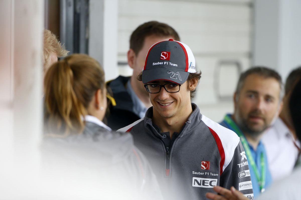 Gutiérrez az egyetlen szemüveges versenyző a paddockban - jobb, mint a kontaktlencse