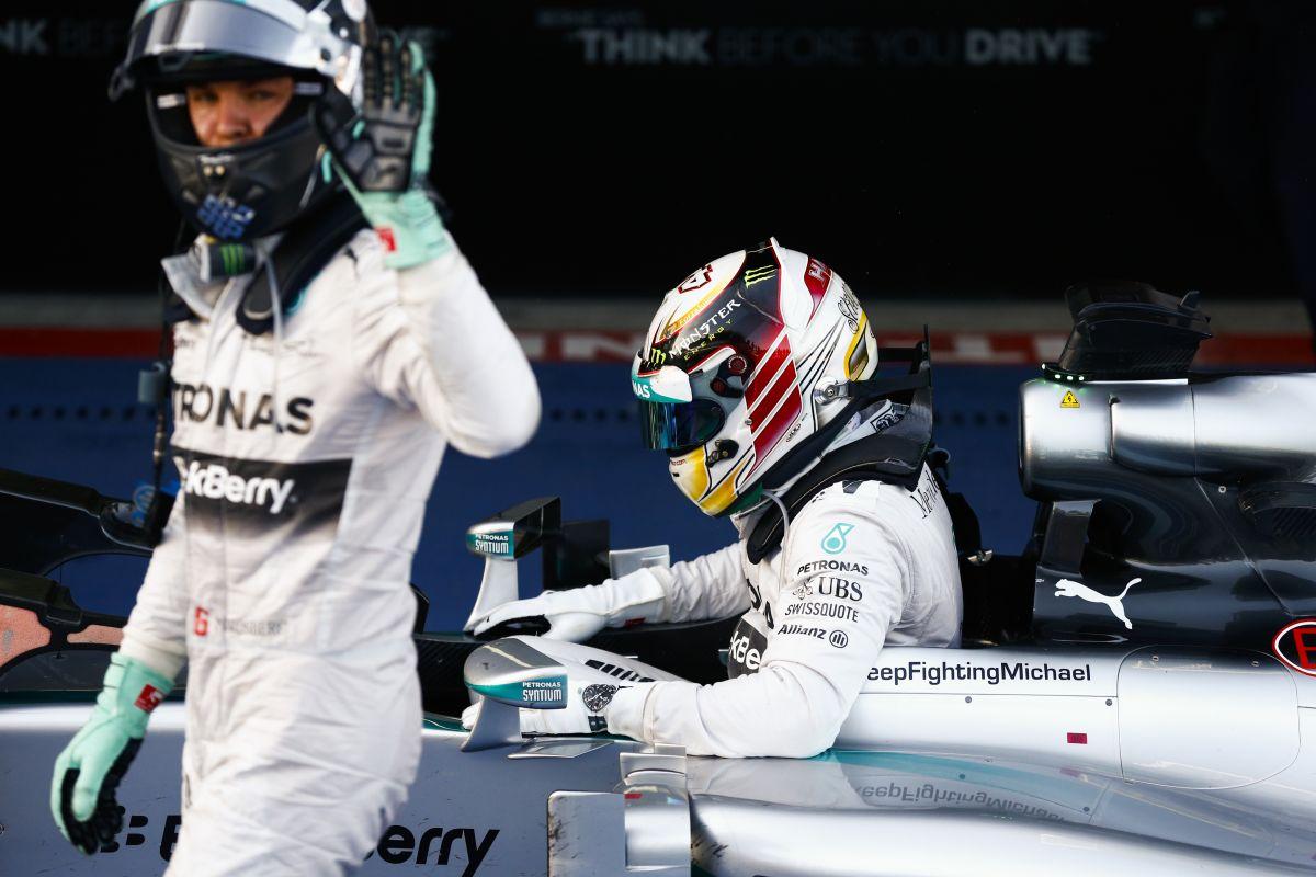 Felesleges hiba és kockázat Rosbergtől: be kell húzni a következő versenyeket