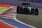 Ecclestone: Három autó csapatonként? Inkább mentsük meg a szenvedő istállókat!
