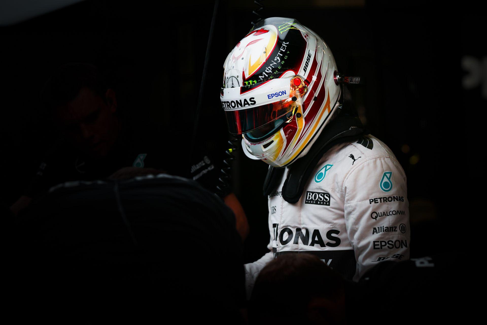 Hamilton nem esik pánikba a balesete miatt