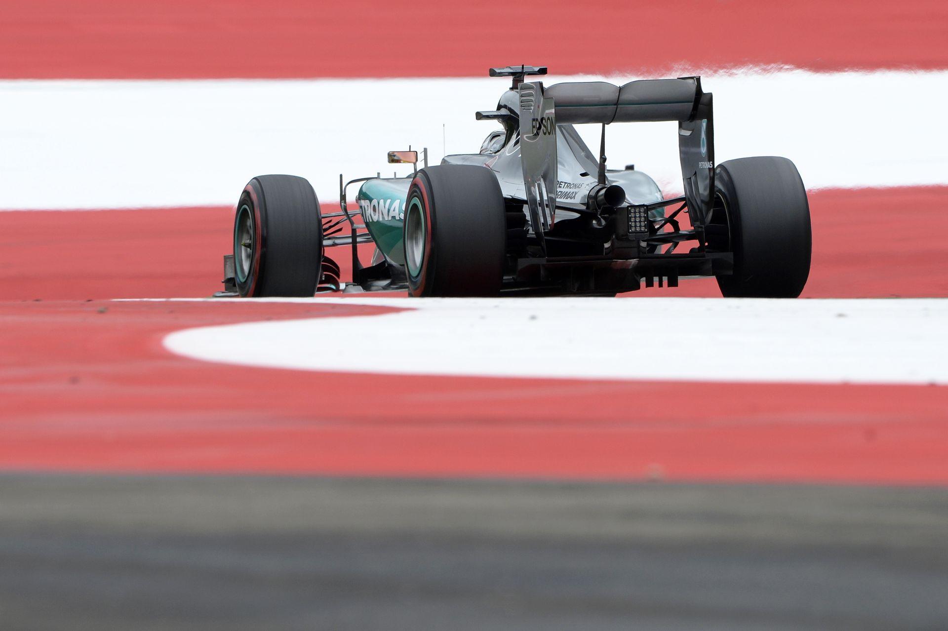 Hamilton onboard a Q1-ből: Osztrák Nagydíj 2015