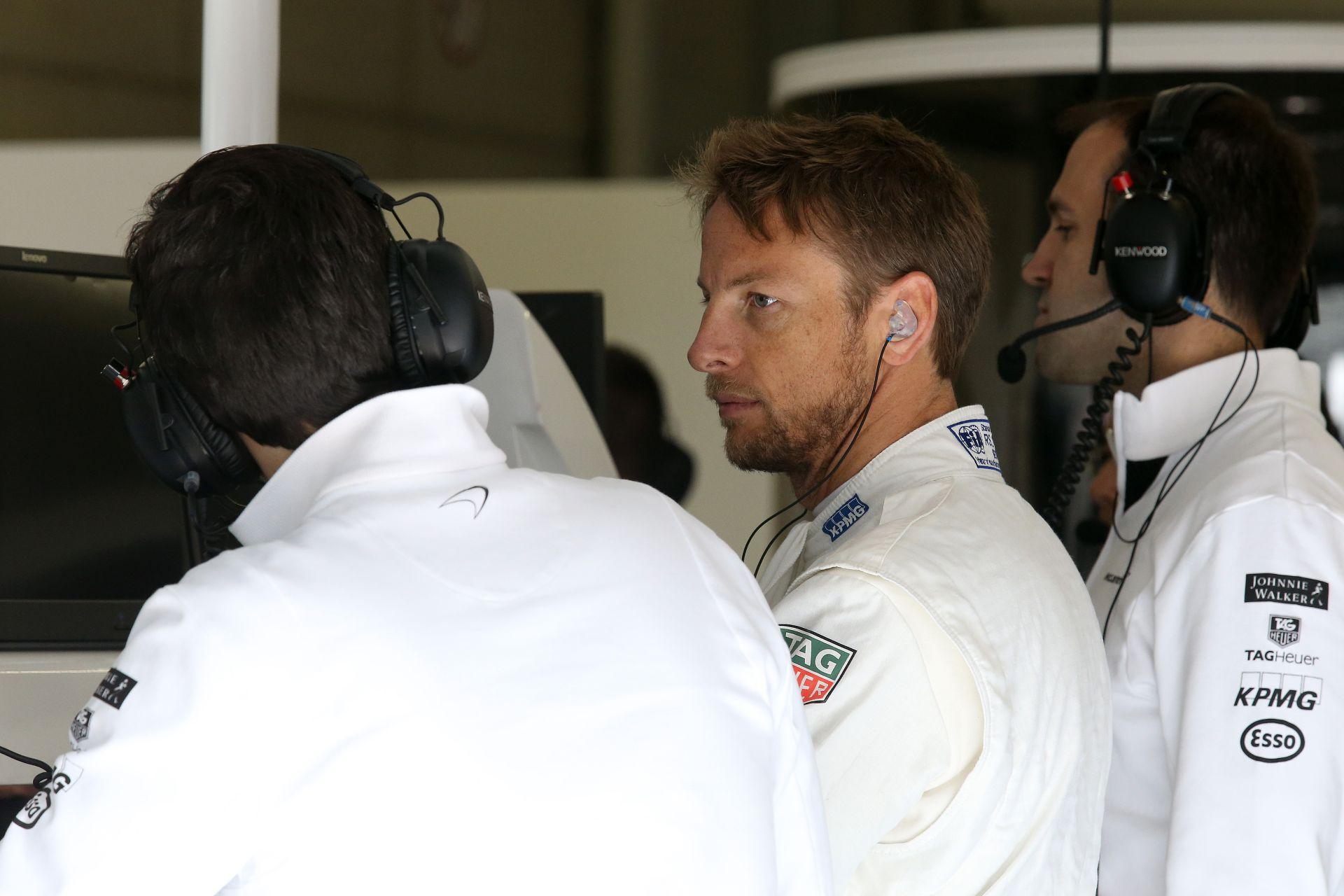 Button: Frusztráló, hogy kiestem, de nem rosszabb, mintha a mezőny végén versenyzem