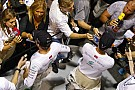 Hamilton megálmodta a szingapúri győzelmét és Rosberg kiesését?