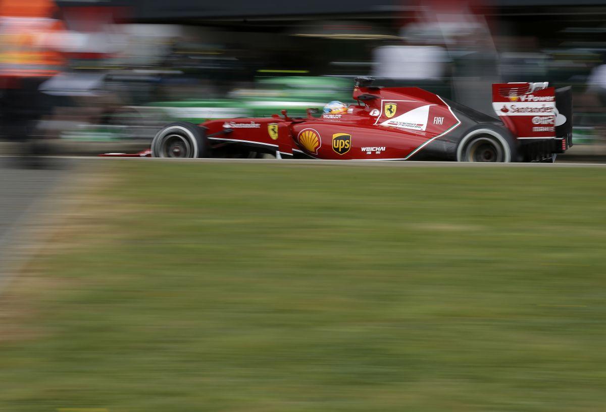Alonso remekül életben tartja a Ferrarit, de Raikkönennek még dolgoznia kell egy kicsit