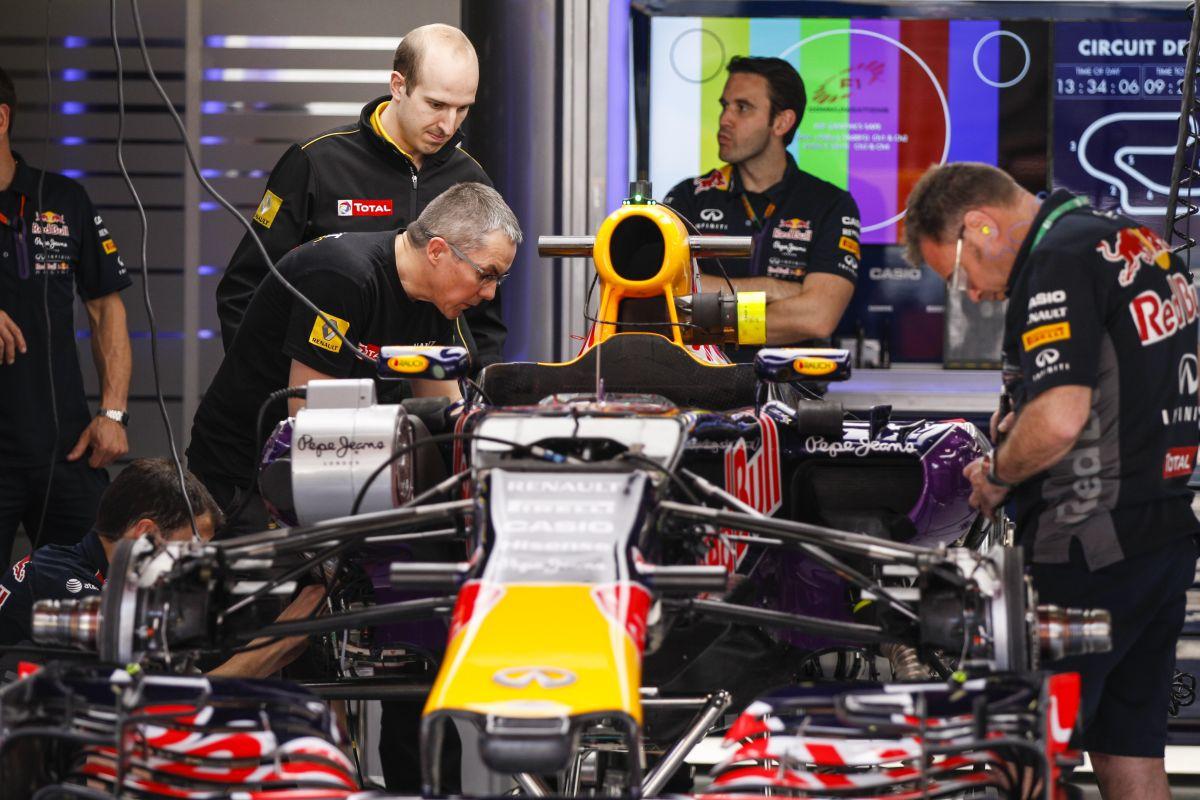 """Ricciardo délelőtt a 3. motorral """"körözött"""", az FP2 alatt építik be a negyediket"""