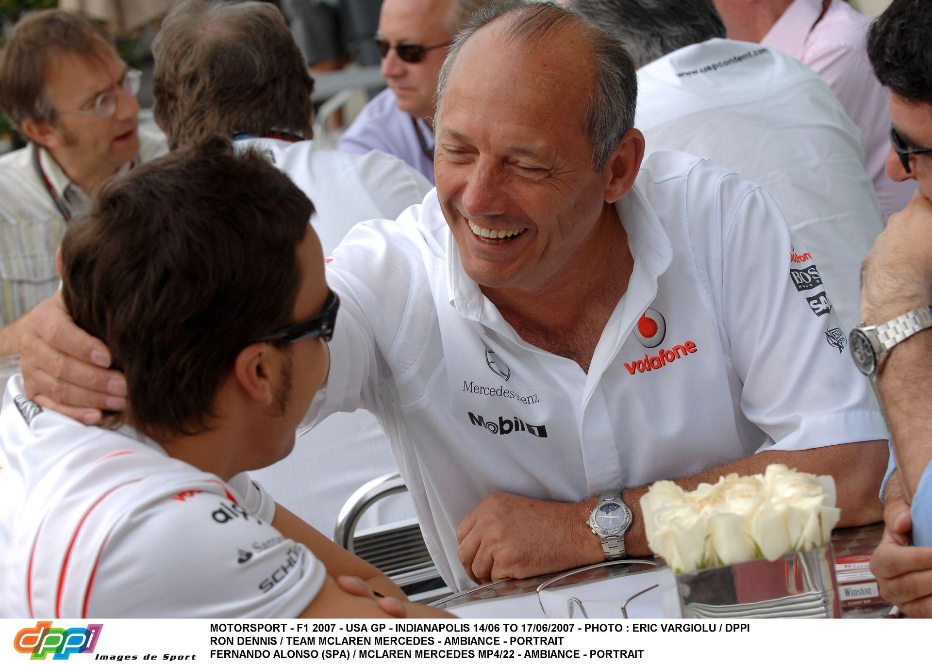 Titkos találkozó Alonso és Dennis között: 32 millió dollárt ajánlott a McLaren a spanyolnak