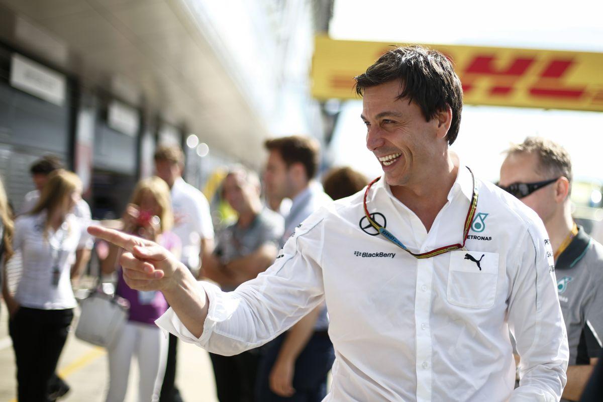 """Hamilton jól bírja a nyomást és a gondokat: előbb-utóbb """"visszatért"""" volna"""