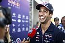 Ricciardo és barátja, Jack Daniels - az év végére kiegyenlítettebb lesz a kép Vettel-lel
