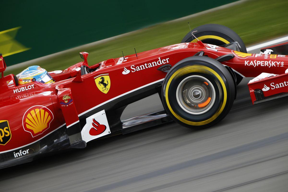 A Ferrari a fejlesztéseken, a Mercedes az egyenlő bánásmódon dolgozik