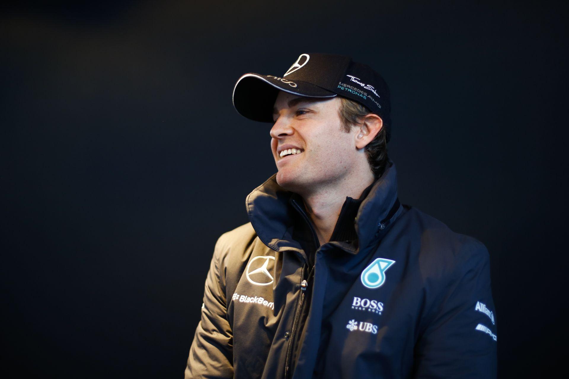 Rosberg kutyával készül fel az apai feladatokra