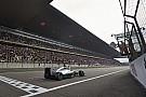 A Mercedes örömmel tekeri fel a Forma-1 hangerejét: kérdés, mit szólnak majd a többiek