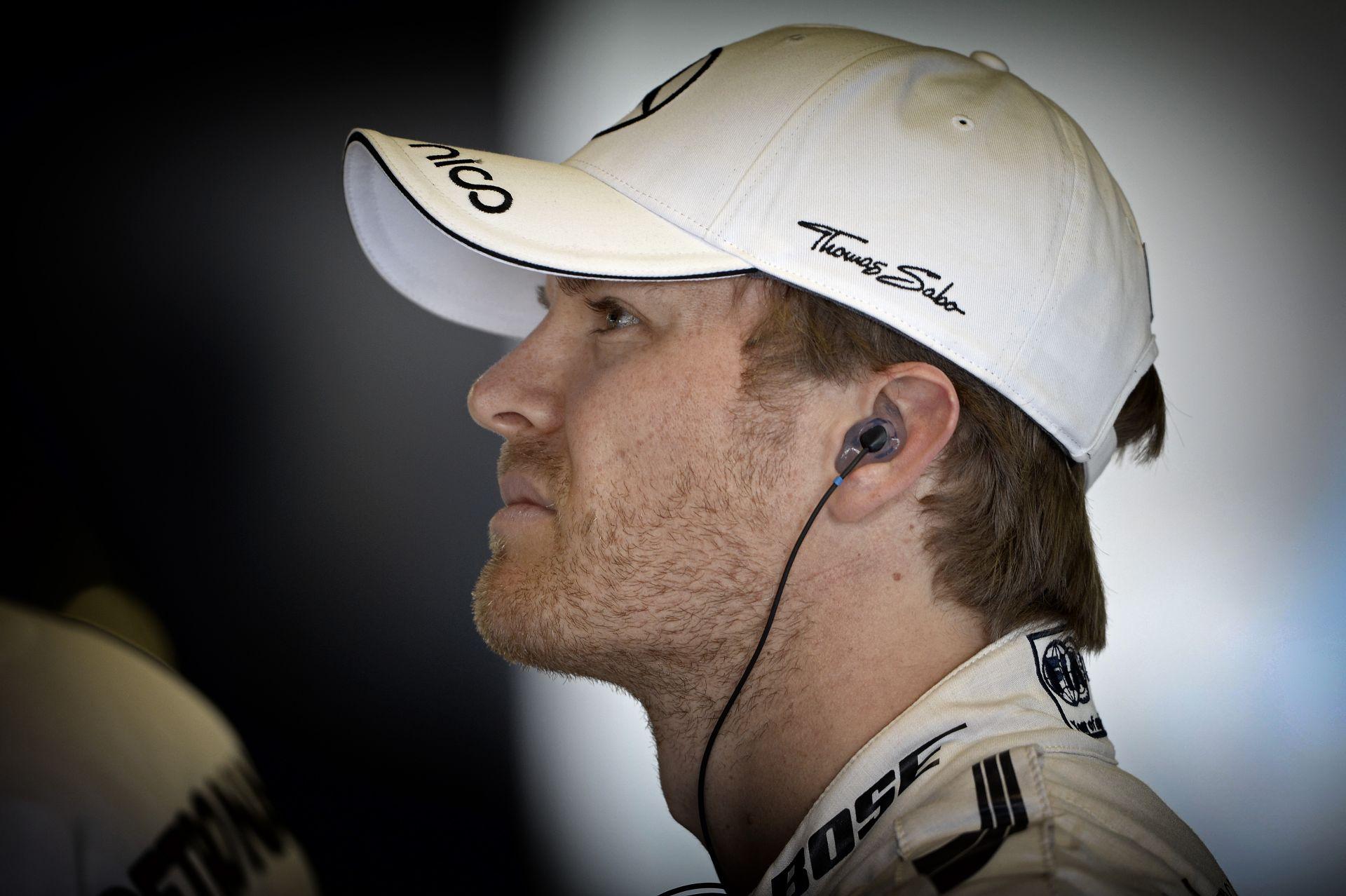 Duplázott a Mercedes és Rosberg Ausztráliában! Második legjobb a Ferrari Vettellel és Raikkönennel! Magnussen megtörte a lassú M
