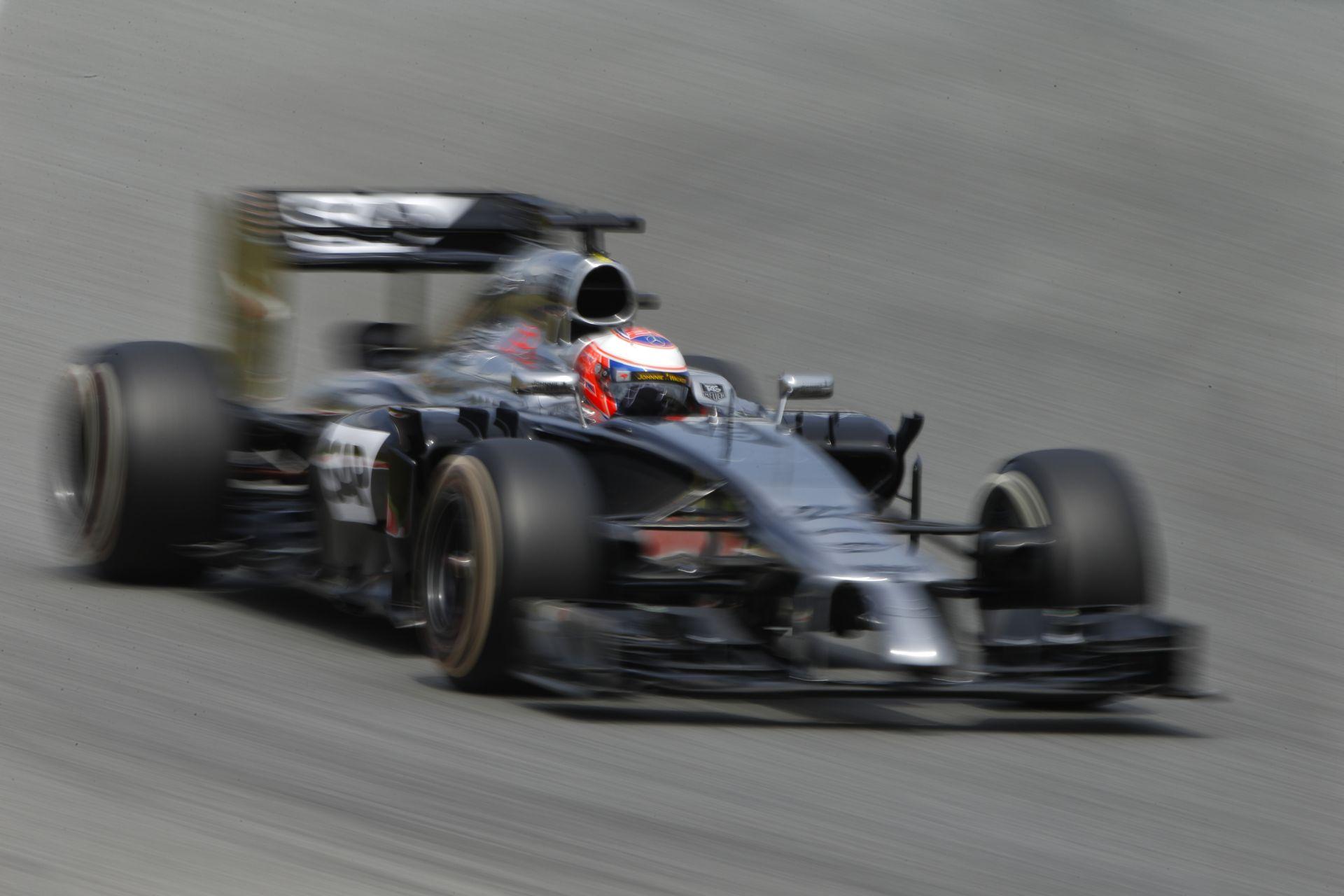 Pont nélkül a McLaren Spanyolországban: Egyre nagyobb a baj Wokingban