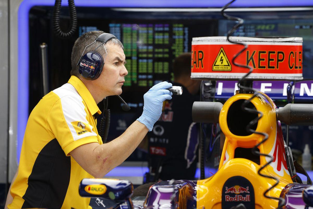 Lassan, de biztosan: a Renault közelít a Mercedeshez, a vezethetőség még csak 50%