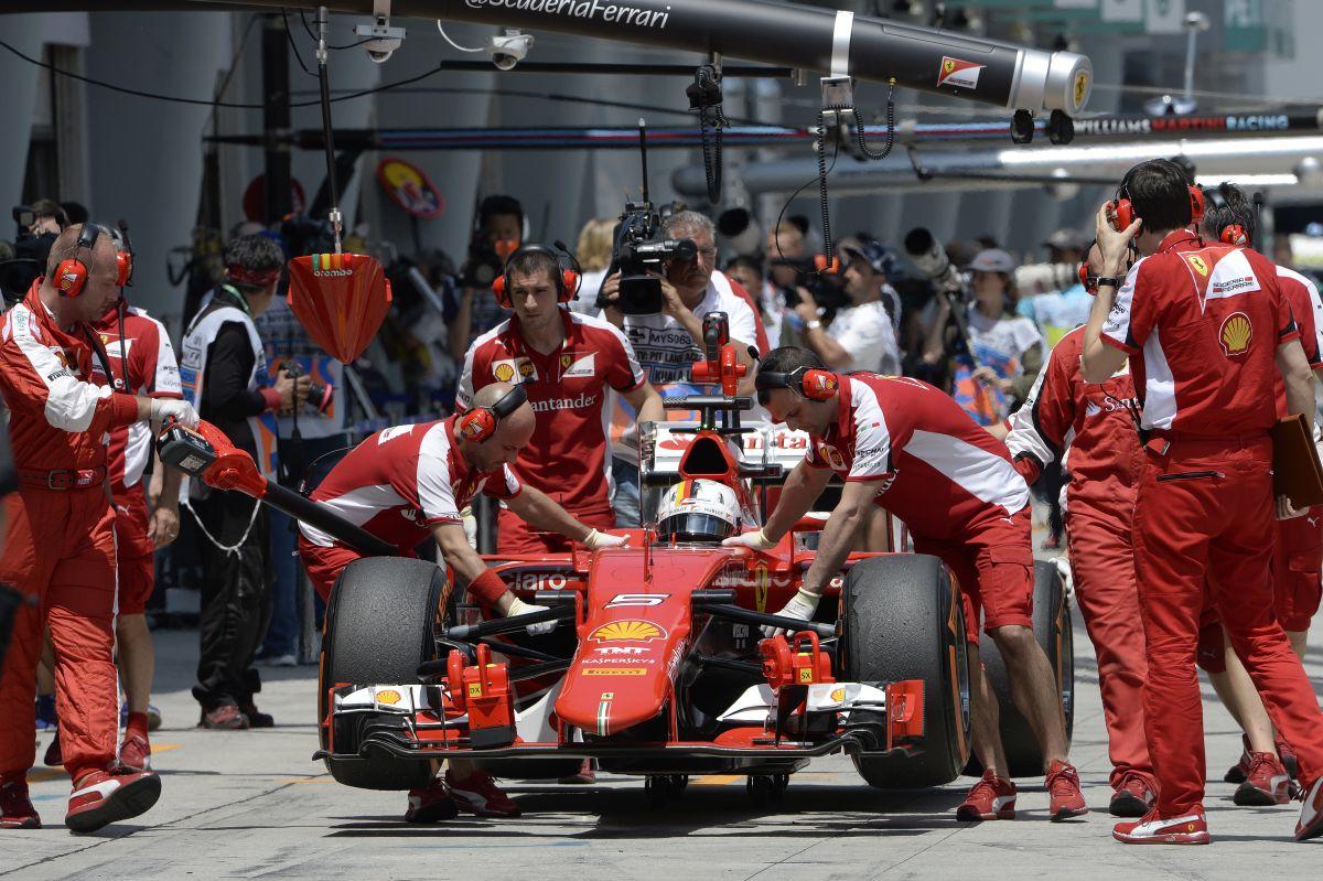 Vettel nyerhet holnap?! Talán igen, de a Mercedes előnye nem illant el csak úgy