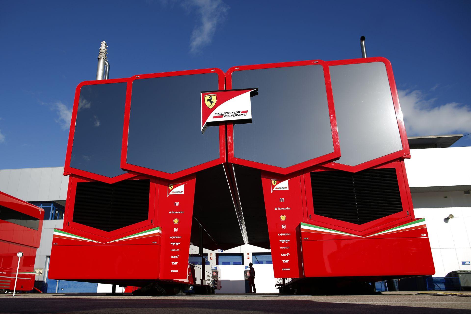 1 másodpercet gyorsult körönként az új Ferrari a tavalyihoz képest: Vettel jó helyre ment?