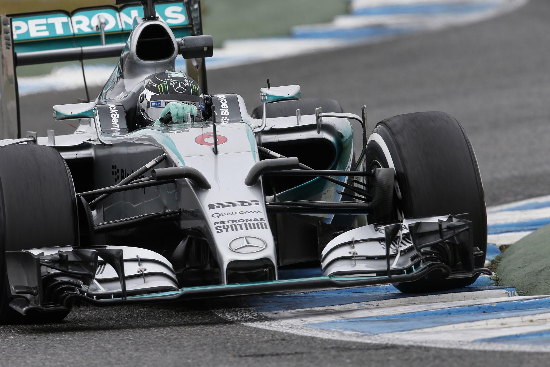 """Két """"világverő"""" csomagja van a Mercedesnek a Spanyol Nagydíjig"""