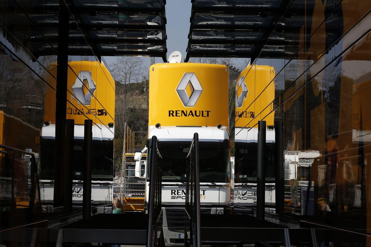 Még a Renault sem tudja, mi legyen a jövőben: egyelőre a Red Bullt kell boldoggá tenni