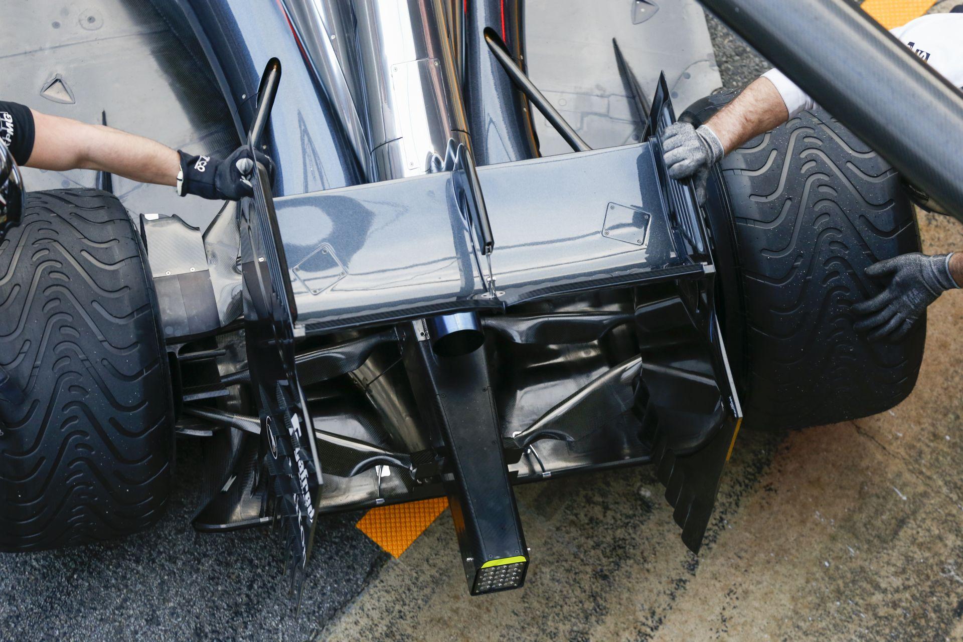 A McLaren egy régi saját rendszert kénytelen használni az MP4-30-ban a Honda problémája miatt