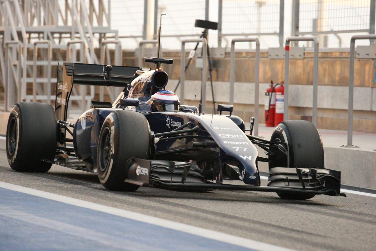 Bottas vezet az utolsó tesztnapon Alonso előtt! Lángra kapott a Red Bull, áll a Mercedes