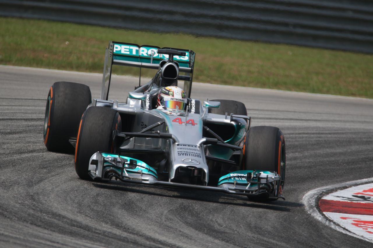 A Mercedesnél nem számítottak ekkora gumikopásra: Hamilton és Rosberg is küzd