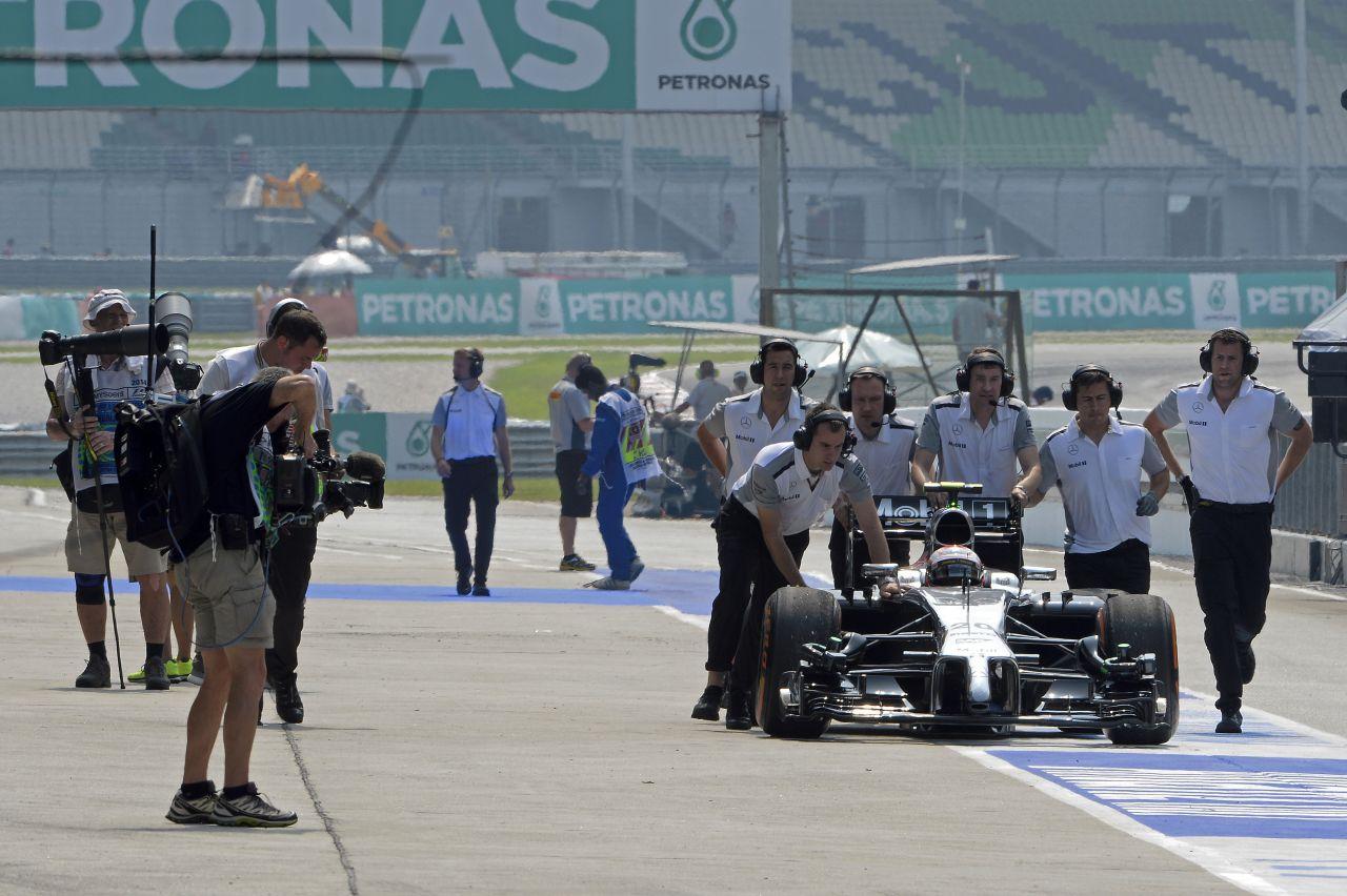 Veszélyben lehet a McLaren időmérője: ha hardverprobléma, akkor nem tudnak indulni