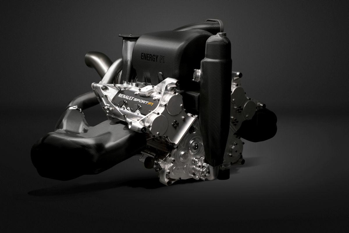 A Renault reméli, jó lesz hallgatni a V6-os turbókat: de mikortól padlózzák nekik?