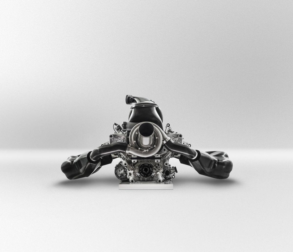 Ecclestone: lett volna orvosság a V6-os motorok ellen