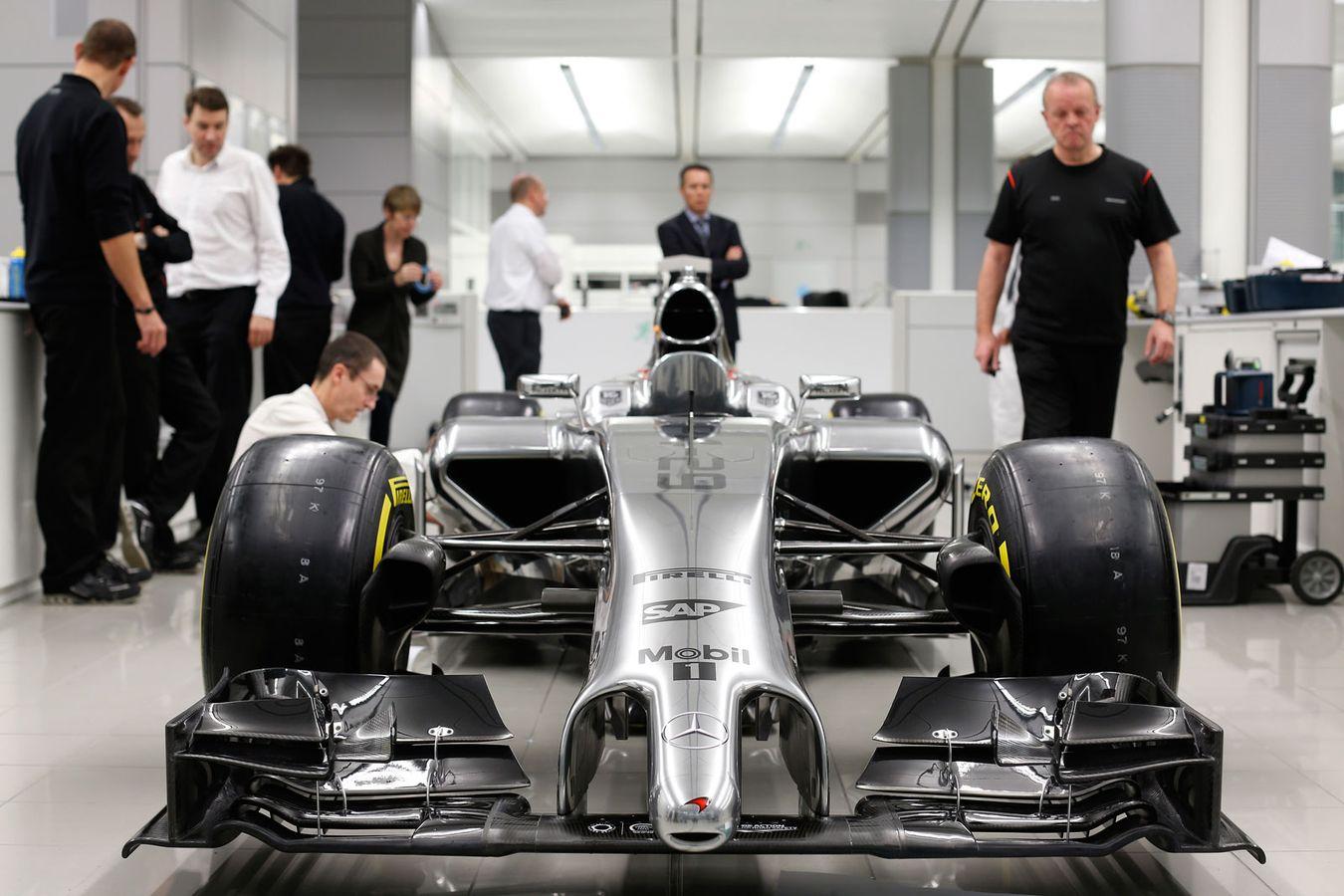 McLaren MP-4-29: A kulisszák mögött