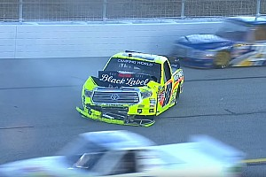NASCAR BRÉKING NASCAR: megint a vétlen kapta a legnagyobb pofont