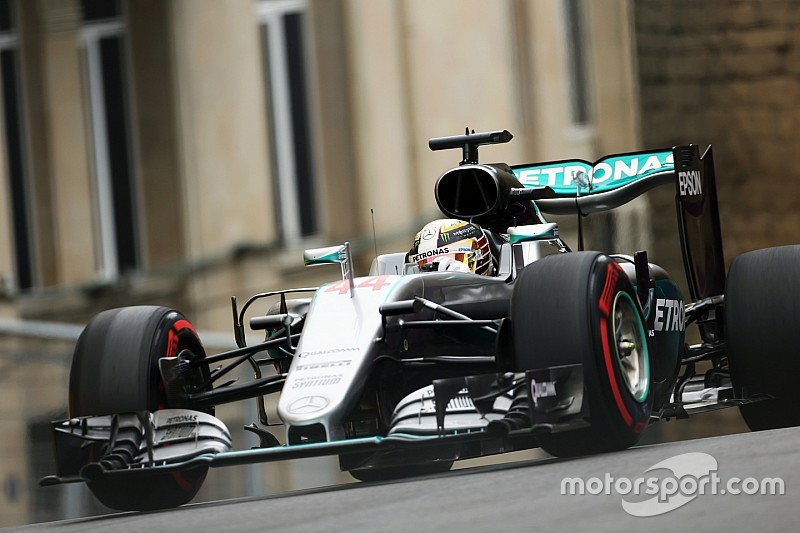 Baku, Libere 2: Hamilton come il vento, Ferrari in crisi?