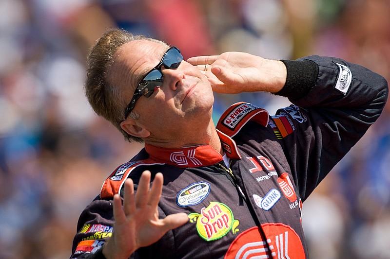 Brutale Attacke auf NASCAR-Pilot Mike Wallace und Familie