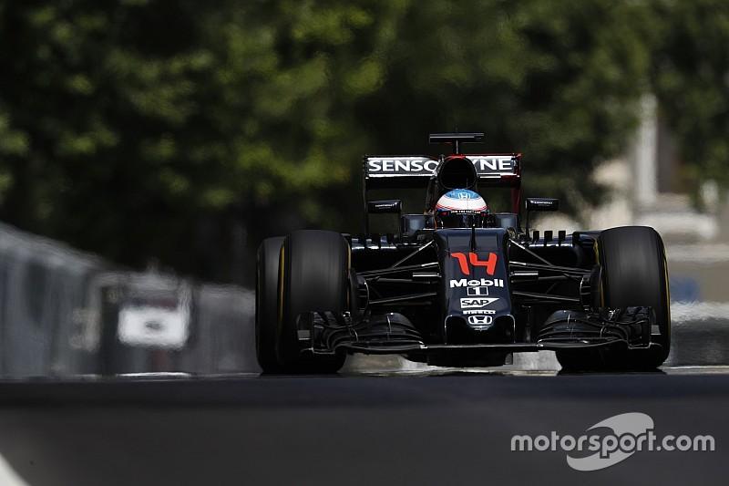 "McLaren elogia a Alonso: ""En carrera tiene un GPS"""